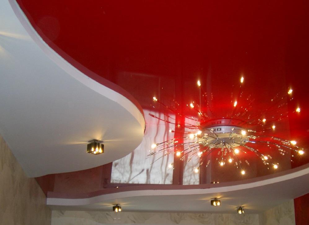 Натяжные потолки красного цвета фото